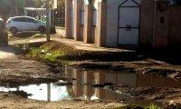 Piden arreglo de calle en el barrio Villa Verde