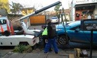 No pudo salir de su casa porque un auto en infracción tapó su garage
