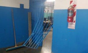 Robaron varios equipos electrónicos de dos escuelas de Del Viso