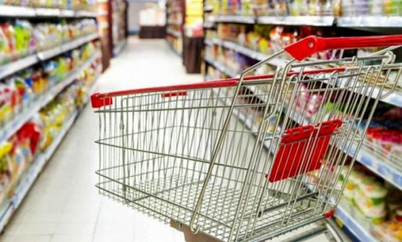 Bajaron las ventas en shoppings y supermercados